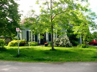 Stunning 2 bedroom house by lake-Cobourg