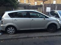 Toyota corolla verso 2004 silver doors all available