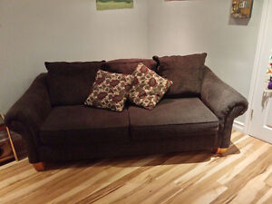 3-seat Couch in excellent condition!-HAS TO GO! Peterborough Peterborough Area image 1