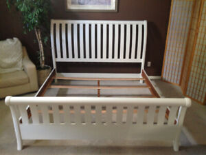 King Size Pine Refinished Bed Frame 185.00 in White Excellent