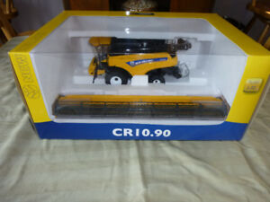 1/32 New Holland Combines