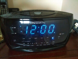Emerson Research Digital Smart Set Alarm Clock/Radio