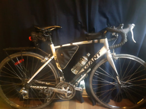 Giant Defy 4 road bike 2010 M-L very good condition