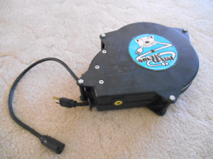 RETRACTABLE ARTIC LEASH FOR AUTO HOME SHOP! WOW! ONLY $60!