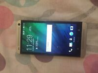 HTC pn07100 unlocked comes with charge got cracked screen