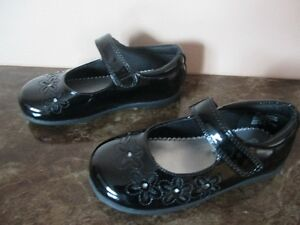 TODDLER GIRL DRESS SHOES-SIZE 9