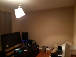 Room for rent ! Lions park, North Hill Centre and sait close by!