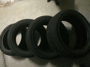 "VERY GOOD CONDITION - DUNLOP WINTER 18"" 235/45 R18"