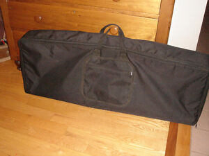 Keyboard Gig Bag, Canadian made by Levy's.  Very good condition.