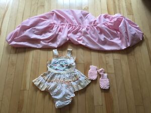 Infant bed sheet, mittens & skirt/drap contour, mitaines & robe Gatineau Ottawa / Gatineau Area image 1