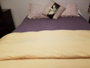 King-size bed  $350