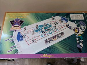 Mighty Ducks table top hockey game