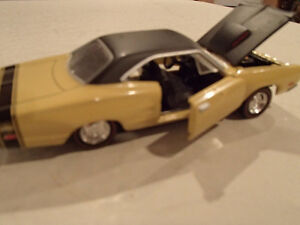 Road Champs 19691/2 Dodge Super Bee Six Pack 1/43 Scale Diecast Sarnia Sarnia Area image 7