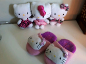 Hello Kitty lot, dolls & slippers