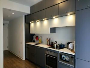 Condo Studio for Rent at Yonge/College only asking$1,900