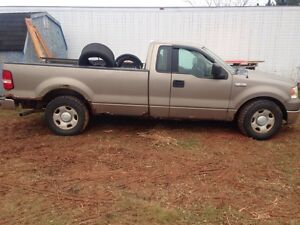 Parts truck 2004 Ford F-150 Needs Motor