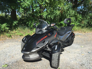 Can-Am Spyder RS 2013 SE5 tres propre