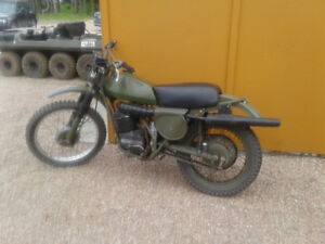 Moto can am militaire 250 1980 seulement 1200km