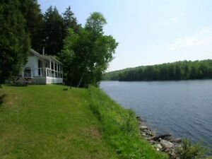 Waterfront Autumn Getaway - Deluxe Cottages for Rent
