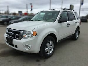 2010 FORD ESCAPE XLT * LEATHER * POWER GROUP * EXTRA CLEAN London Ontario image 2