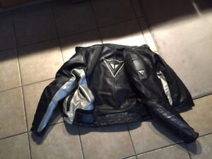 Dainese Mens Leather Armored Padded Motorcycle Bike Jacket