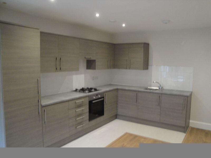 one bedroom ground floor flat walking distance to Harrow & Wealdstone Station
