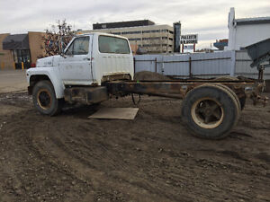 1982 Ford F-750 Other