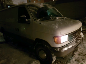 Ford Econoline E250 ready to work