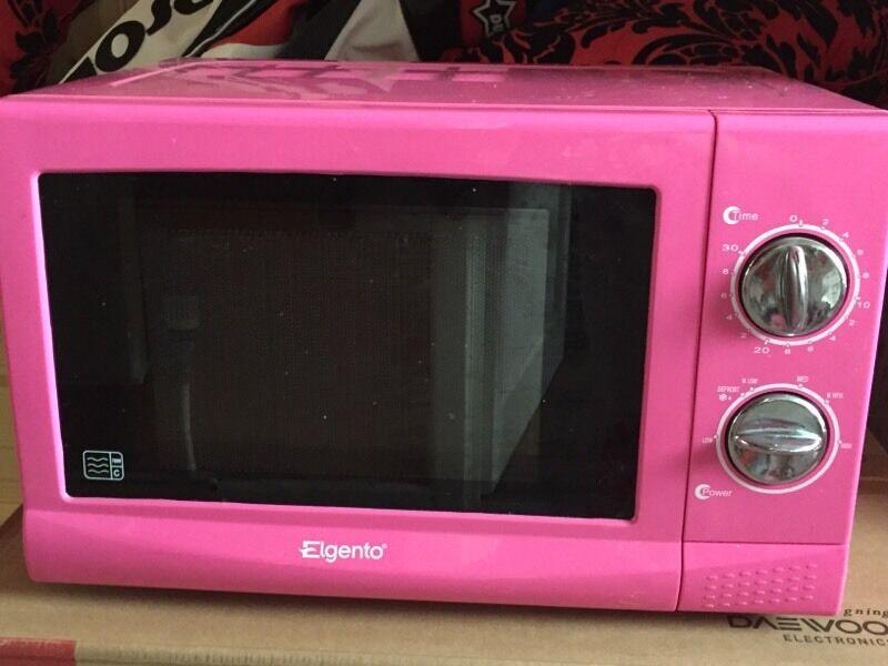 Elgento Hot Pink Microwave 17l 700w In Bungay Norfolk