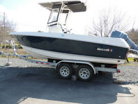 2014 Wellcraft Fisherman 210