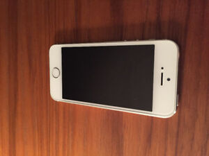 iPhone 5s 16gb état impeccable avec case Otter box