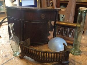 Lot d'articles (meuble)