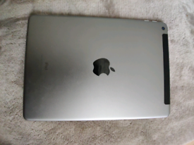 Ipad 6th gen 32gb wifi and 4g mint