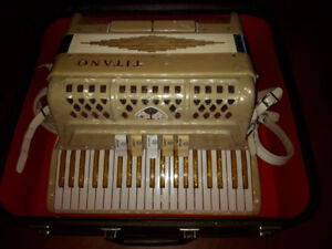 Accordion - vintage custom made in Italy