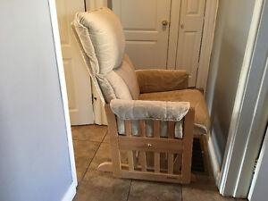 Grinding rocking chair