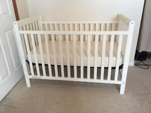 3 in 1 Crib and Mattress Set