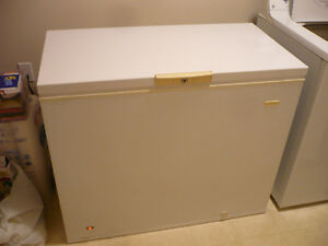 9,9 Cubic Foot chest freezed