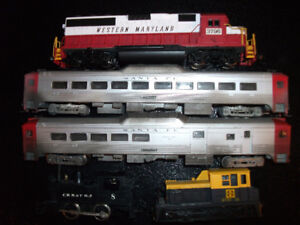 HO Scale Model Trains Engines and Cars