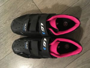 Never Used Garneau Women's Spin Shoes - SPD CLIPS