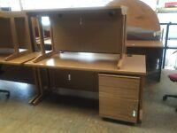 1600 straight oak desk