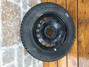 4 pneus et jantes 195/65 R15