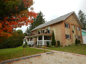AYTON - ONE HOUR NORTH OF GUELPH