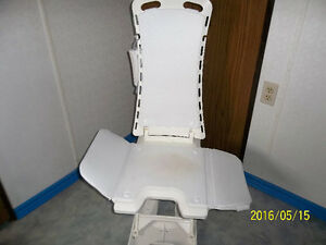 Bath Chair Lift 650.00 OBO