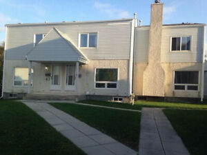 Fort Richmond 4 Bed 2 Bath 1 Garage townhouse, 5 mins to U of M