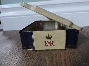 Player's Cigarette Tin to commemorate Queen's Coronation 1953 Kitchener / Waterloo Kitchener Area image 2