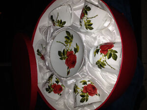 Pretty Rose tea cup and saucer set