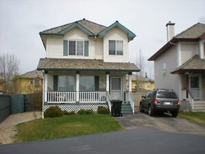 Great Nottingham Home in Sherwood Park! Available Immediate