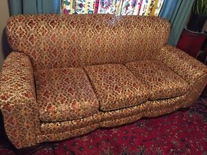 Vintage couch - excellent condition -