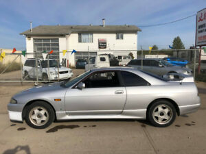 R33 Nissan Skyline - 5 Speed Non Turbo / JDM RHD