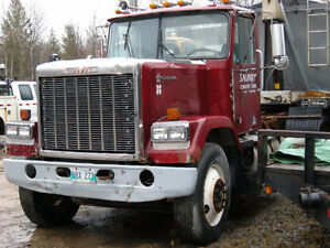 1986 GMC GENERAL hwy. tractor